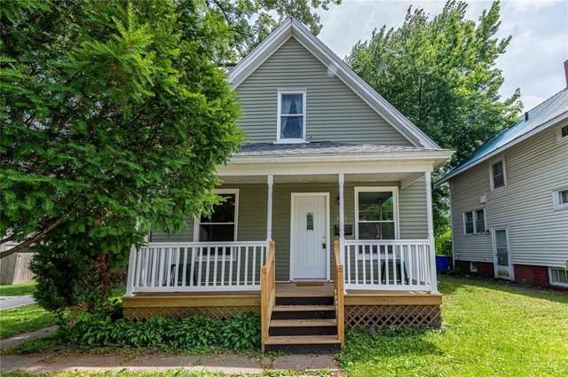 383 15th Avenue SW, Cedar Rapids, IA 52404 (MLS #2004803) :: The Graf Home Selling Team