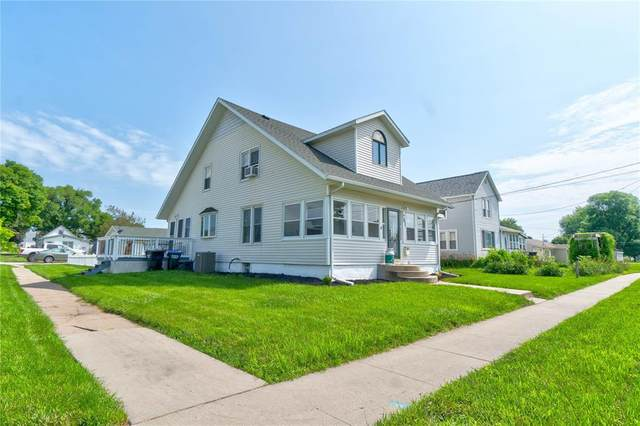703 E 12th Street, Vinton, IA 52349 (MLS #2004843) :: The Graf Home Selling Team