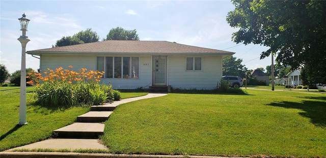 1601 G Avenue, Vinton, IA 52349 (MLS #2004864) :: The Graf Home Selling Team