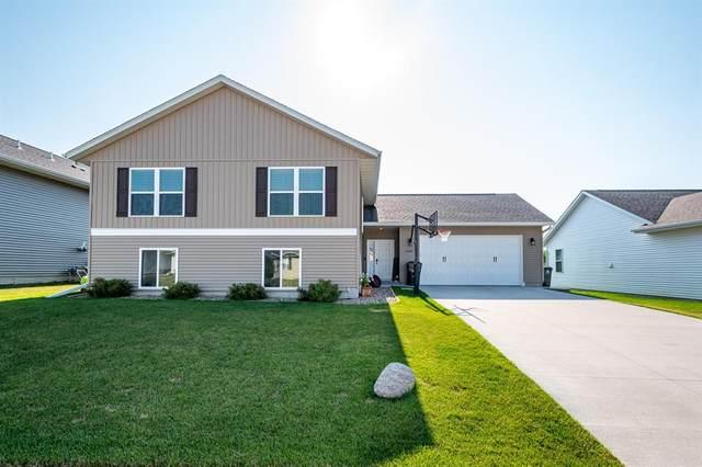 2907 Bryant Boulevard SW, Cedar Rapids, IA 52404 (MLS #2004935) :: The Graf Home Selling Team