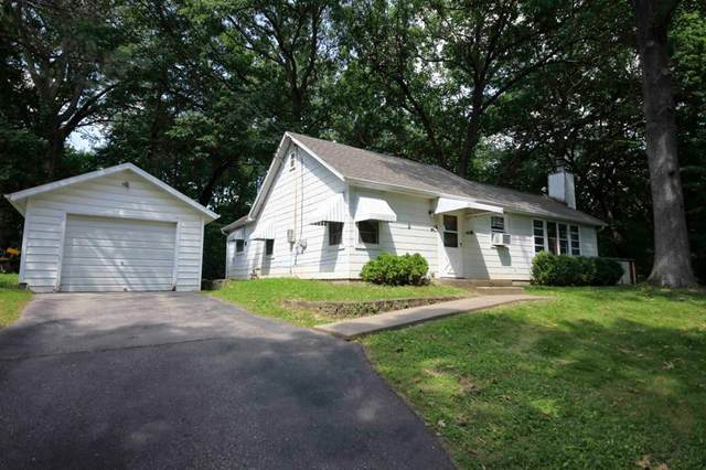 2630 Westwood Drive NW, Cedar Rapids, IA 52405 (MLS #2004947) :: The Graf Home Selling Team