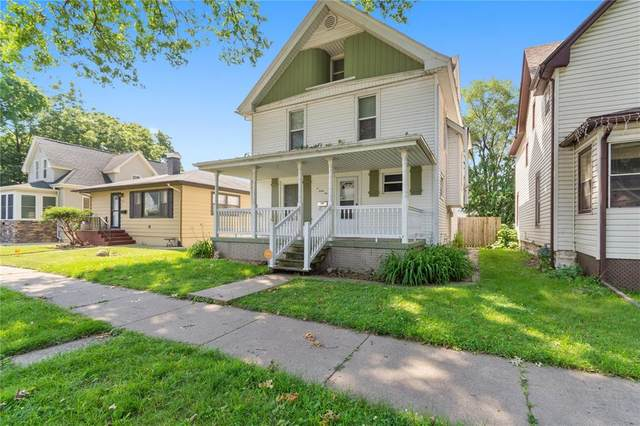 445 9th Avenue SW, Cedar Rapids, IA 52404 (MLS #2004949) :: The Graf Home Selling Team