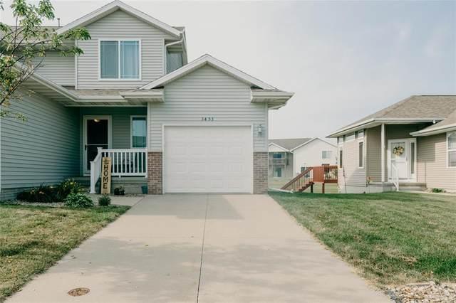 3453 Laurel Ln, Marion, IA 52302 (MLS #2004976) :: The Graf Home Selling Team