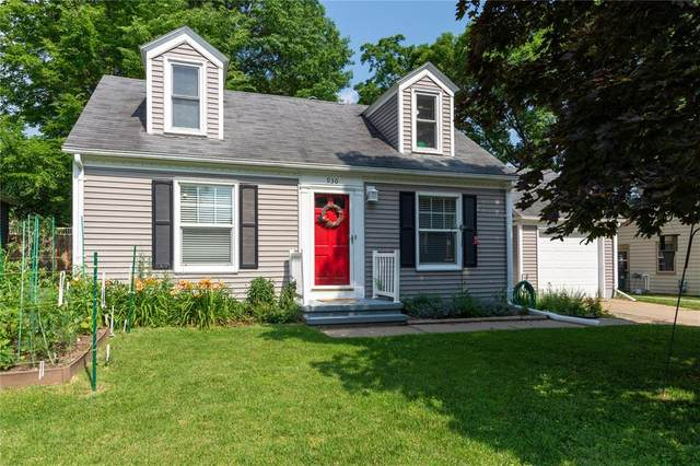 930 25th Street SE, Cedar Rapids, IA 52403 (MLS #2005020) :: The Graf Home Selling Team