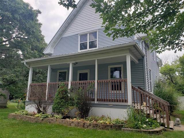 251 Foote Street SW, Cedar Rapids, IA 52404 (MLS #2005035) :: The Graf Home Selling Team