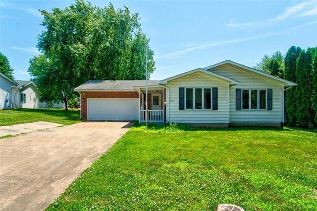 501 W Sovers, Solon, IA 52333 (MLS #2005076) :: The Graf Home Selling Team