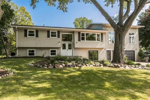 3248 Lake View Drive NE, Solon, IA 52333 (MLS #2005427) :: The Graf Home Selling Team