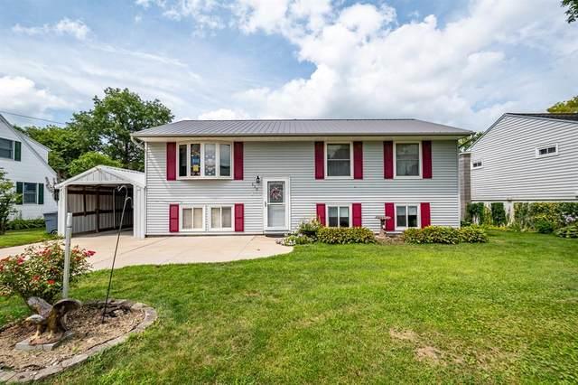 110 W Elm Street, Solon, IA 52333 (MLS #2005648) :: The Graf Home Selling Team