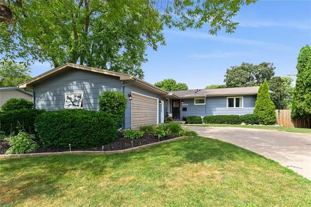 5028 1st Avenue NW, Cedar Rapids, IA 52405 (MLS #2005806) :: The Graf Home Selling Team