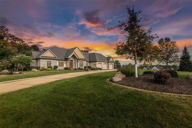 5011 Indian Summer Lane SW, Ely, IA 52227 (MLS #2006420) :: The Graf Home Selling Team