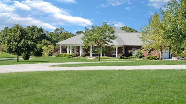 2339 NE Sterling Court, Solon, IA 52333 (MLS #2006654) :: The Graf Home Selling Team