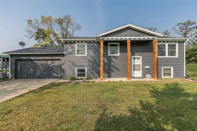 2248 Meadow Ln Ne, Cedar Rapids, IA 52402 (MLS #2006703) :: The Graf Home Selling Team
