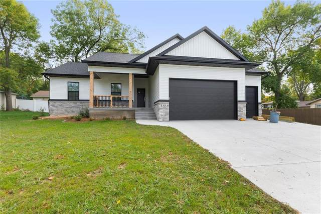820 Park Avenue, Center Point, IA 52213 (MLS #2006770) :: The Graf Home Selling Team