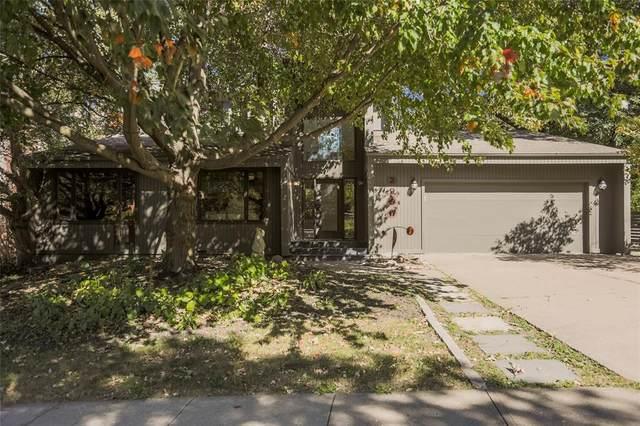 2956 Creighton Street, Iowa City, IA 52245 (MLS #2007102) :: The Graf Home Selling Team