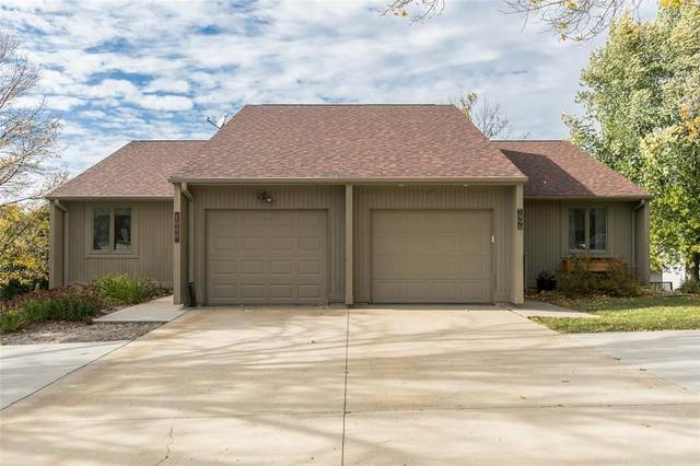 1998 Liberty Lane, Coralville, IA 52241 (MLS #2007241) :: The Graf Home Selling Team