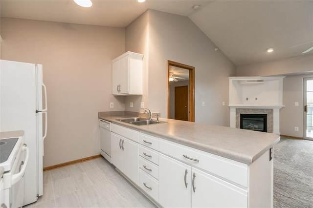250 Cimarron Drive #119, Hiawatha, IA 52233 (MLS #2007314) :: The Graf Home Selling Team