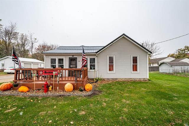 312 S Main Street, Monticello, IA 52310 (MLS #2007338) :: The Graf Home Selling Team