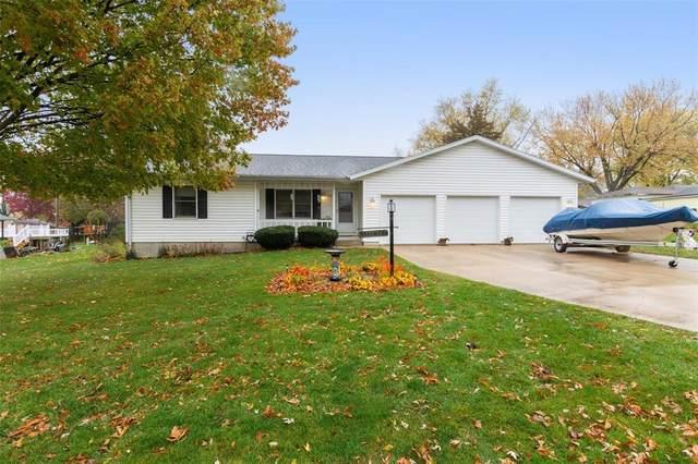 821 E Washington Street, Center Point, IA 52213 (MLS #2007381) :: The Graf Home Selling Team