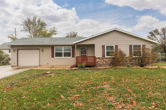 312 Burger Lane, Fairfax, IA 52228 (MLS #2007386) :: The Graf Home Selling Team