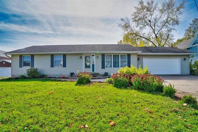 700 E 6th St, West Liberty, IA 52278 (MLS #2007400) :: The Graf Home Selling Team