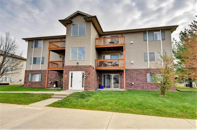 40 Zeller Crossing #103, North Liberty, IA 52317 (MLS #2007663) :: The Graf Home Selling Team