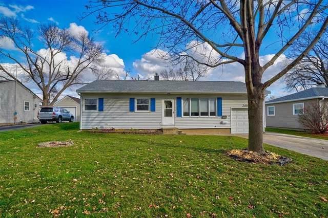 205 2nd Avenue, Hiawatha, IA 52233 (MLS #2007751) :: The Graf Home Selling Team