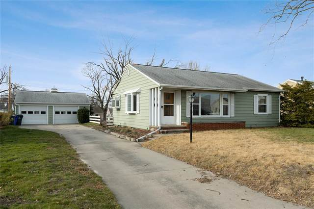 2200 Haven Court SW, Cedar Rapids, IA 52404 (MLS #2008960) :: The Graf Home Selling Team