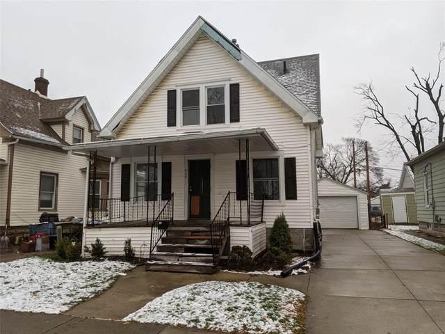 808 D Avenue NW, Cedar Rapids, IA 52405 (MLS #2009014) :: The Graf Home Selling Team