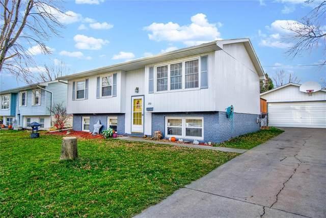 200 Bernita Drive NW, Cedar Rapids, IA 52405 (MLS #2009016) :: The Graf Home Selling Team