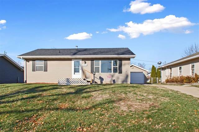 2460 17th Avenue, Marion, IA 52302 (MLS #2009036) :: Lepic Elite Home Team