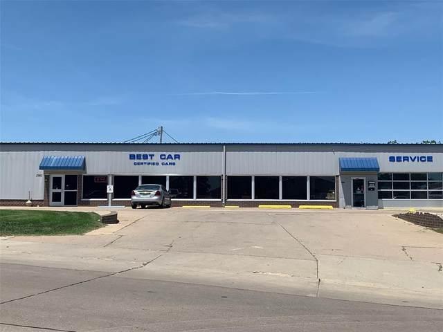 1960 51st Street NE, Cedar Rapids, IA 52402 (MLS #2009094) :: The Graf Home Selling Team