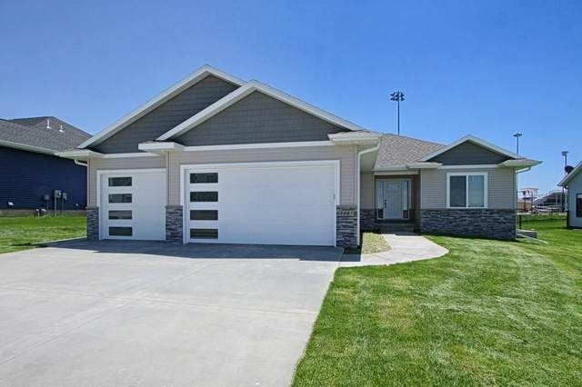 1185 Ogden Lane, North Liberty, IA 52317 (MLS #2009147) :: The Graf Home Selling Team