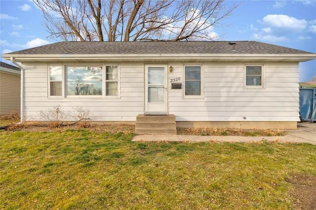 2520 17th Avenue, Marion, IA 52302 (MLS #2009370) :: The Graf Home Selling Team