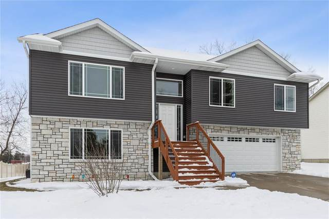 35 W Zeller Street, North Liberty, IA 52317 (MLS #2100254) :: The Graf Home Selling Team