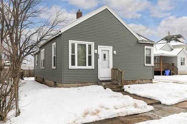 247 11th Street NW, Cedar Rapids, IA 52405 (MLS #2100262) :: The Graf Home Selling Team