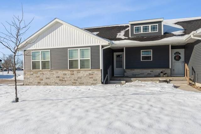 3072 Sherwood, Marion, IA 52302 (MLS #2100360) :: The Graf Home Selling Team