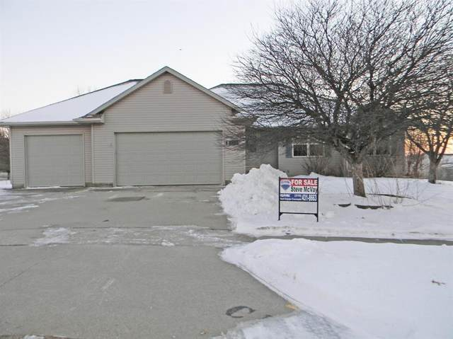 624 Crestview Court, Center Point, IA 52213 (MLS #2100375) :: The Graf Home Selling Team