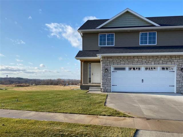 1001 Creekside Drive, Tiffin, IA 52340 (MLS #2100394) :: The Graf Home Selling Team
