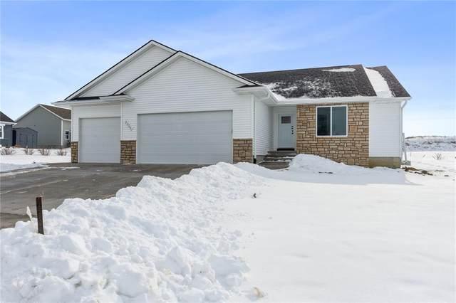 1402 Glen Oaks Drive, Fairfax, IA 52228 (MLS #2100591) :: The Graf Home Selling Team