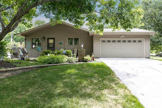 901 20th Avenue, Coralville, IA 52241 (MLS #2100777) :: The Graf Home Selling Team