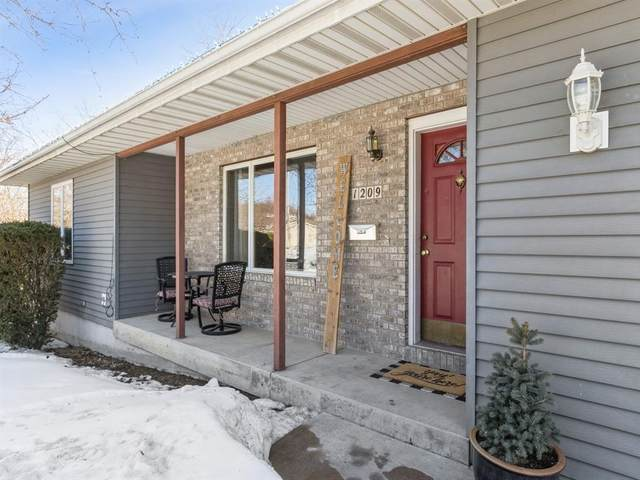 1209 Edingale Drive, Iowa City, IA 52246 (MLS #2101075) :: The Graf Home Selling Team