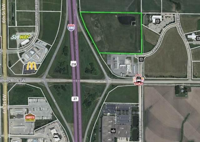 8720 Stacey Lane SW, Cedar Rapids, IA 52404 (MLS #2101118) :: The Graf Home Selling Team