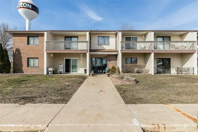 730 S Market Street #13, Solon, IA 52333 (MLS #2101275) :: The Graf Home Selling Team