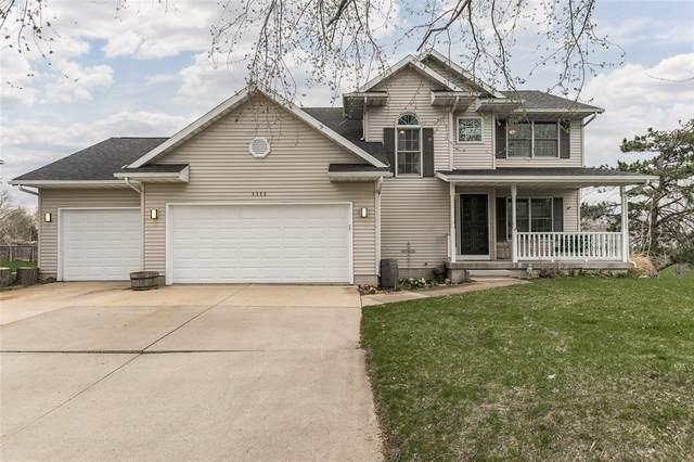 1111 19th Street NW, Cedar Rapids, IA 52405 (MLS #2102075) :: The Graf Home Selling Team