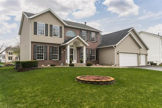 7435 Berkshire Drive NE, Cedar Rapids, IA 52402 (MLS #2102080) :: The Graf Home Selling Team