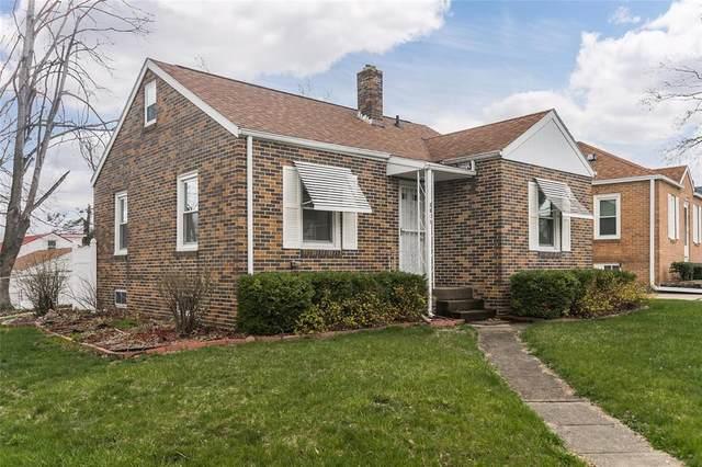 3921 Hart Court NE, Cedar Rapids, IA 52402 (MLS #2102127) :: The Graf Home Selling Team