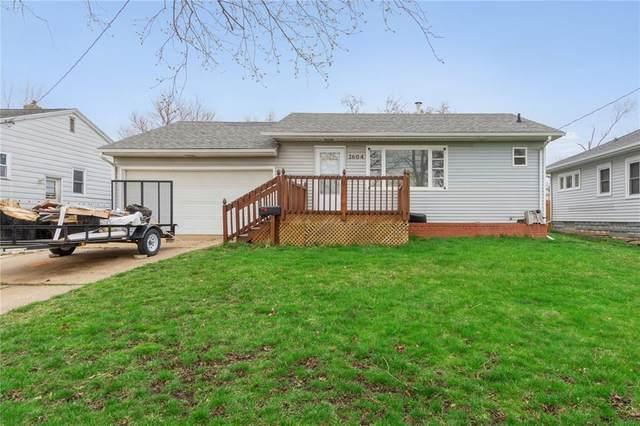 1604 34th Street NE, Cedar Rapids, IA 52402 (MLS #2102144) :: The Graf Home Selling Team