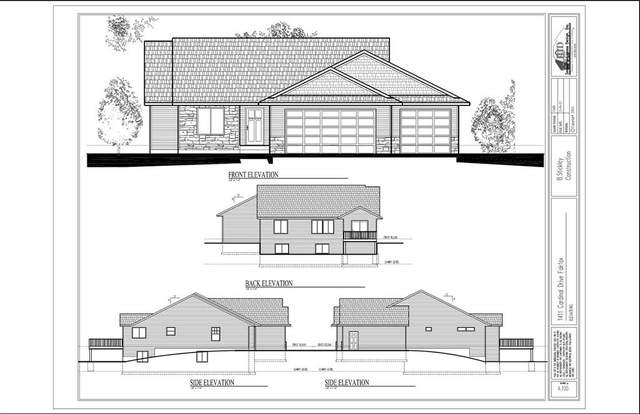 1411 Cardinal Drive, Fairfax, IA 52228 (MLS #2102264) :: The Graf Home Selling Team