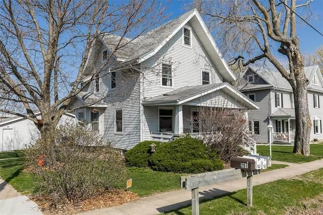 201 N Iowa Street, Solon, IA 52333 (MLS #2102599) :: The Graf Home Selling Team