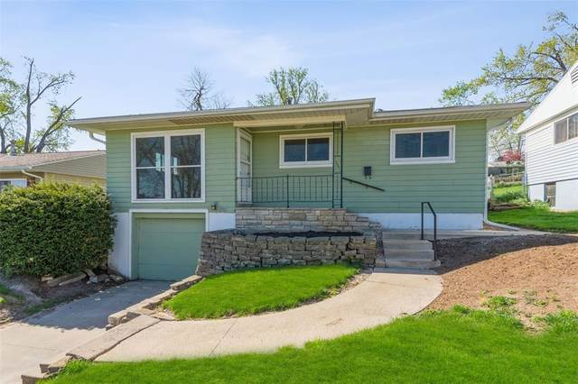 1511 13th Avenue SW, Cedar Rapids, IA 52404 (MLS #2102676) :: The Graf Home Selling Team
